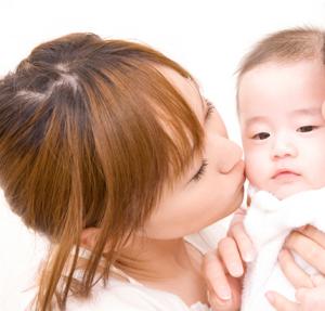 産後脱毛の原因とは?出産を迎える女性は覚えておきましょう