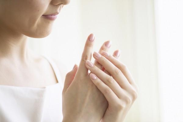 美容師がオススメする手荒れの改善法